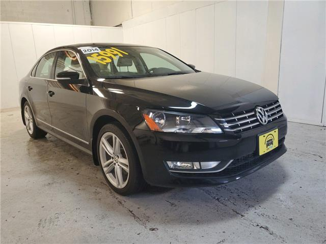 2014 Volkswagen Passat 2.0 TDI Highline (Stk: 084347) in Milton - Image 1 of 20