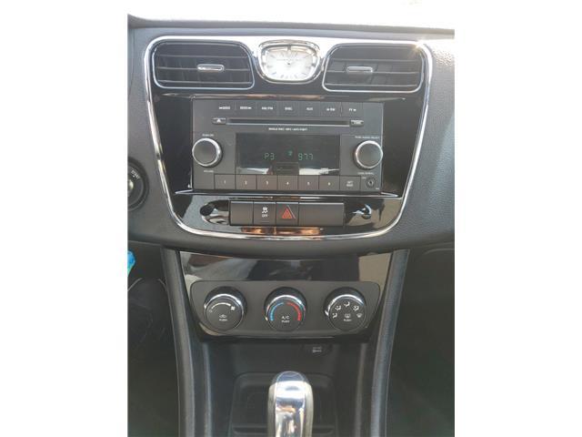 2012 Chrysler 200 LX (Stk: 282849) in Milton - Image 11 of 22