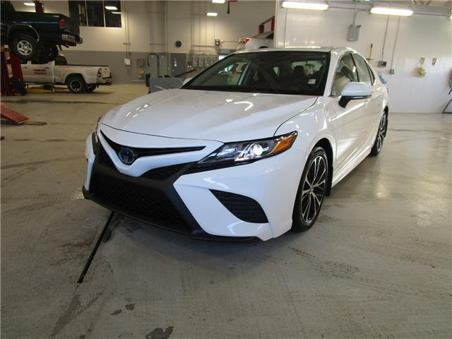 2020 Toyota Camry Hybrid SE (Stk: 208058) in Moose Jaw - Image 1 of 37