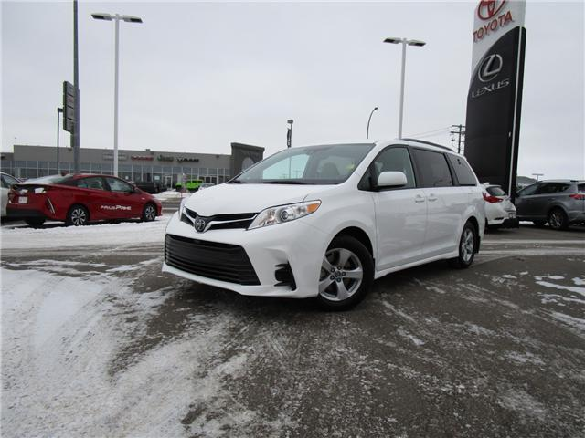 2019 Toyota Sienna LE 8-Passenger (Stk: 193041) in Regina - Image 1 of 33
