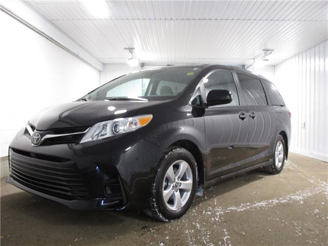 2019 Toyota Sienna LE 8-Passenger (Stk: 193166) in Regina - Image 1 of 18