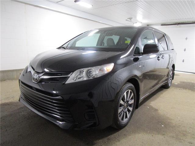 2020 Toyota Sienna LE 7-Passenger (Stk: 203547) in Regina - Image 1 of 26