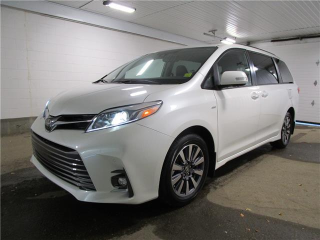 2020 Toyota Sienna XLE 7-Passenger (Stk: 203696) in Regina - Image 1 of 25