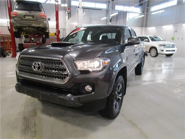 2017 Toyota Tacoma SR5 (Stk: 1992171) in Moose Jaw - Image 1 of 25