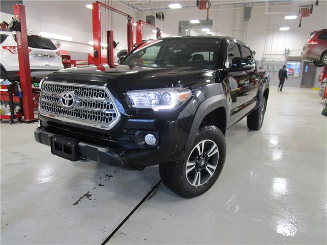 2017 Toyota Tacoma TRD Off Road (Stk: 1991751) in Moose Jaw - Image 1 of 28