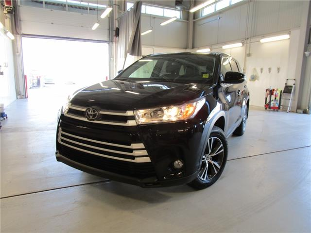 2019 Toyota Highlander LE (Stk: 7923) in Moose Jaw - Image 1 of 37