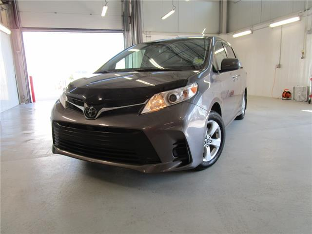 2019 Toyota Sienna 7-Passenger (Stk: 7927) in Moose Jaw - Image 1 of 34