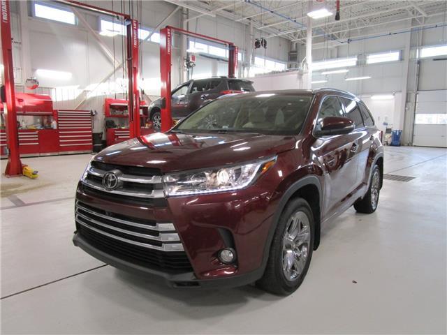 2017 Toyota Highlander Limited (Stk: 2092491) in Moose Jaw - Image 1 of 36