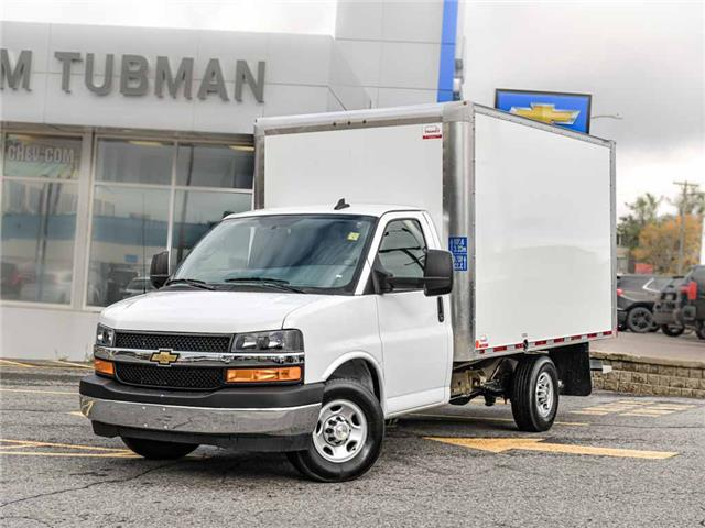 2020 Chevrolet Express Cutaway Work Van (Stk: R9819A) in Ottawa - Image 1 of 20