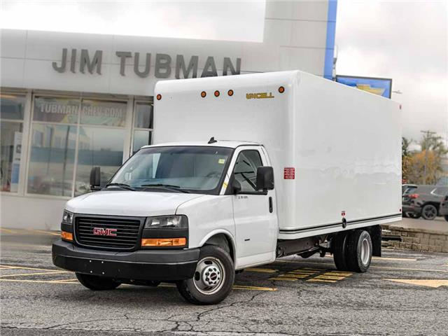 2019 GMC Savana Cutaway Work Van (Stk: R9820B) in Ottawa - Image 1 of 20