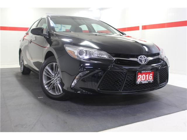 2016 Toyota Camry SE (Stk: 298335S) in Markham - Image 1 of 24