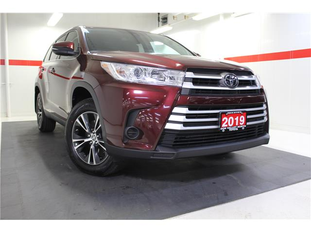 2019 Toyota Highlander LE (Stk: 298586S) in Markham - Image 1 of 24