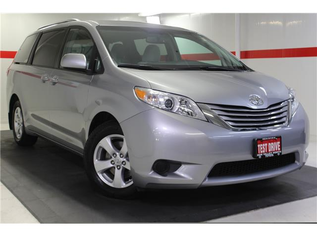 2017 Toyota Sienna LE 8 Passenger (Stk: 299323S) in Markham - Image 1 of 25