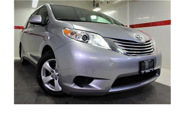2017 Toyota Sienna LE 8 Passenger (Stk: 300285S) in Markham - Image 1 of 24