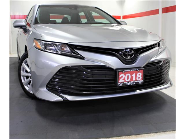 2018 Toyota Camry LE (Stk: 302111S) in Markham - Image 1 of 25