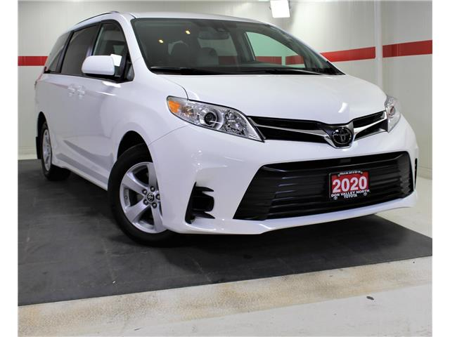 2020 Toyota Sienna LE 8-Passenger (Stk: 303169S) in Markham - Image 1 of 23
