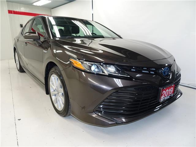 2019 Toyota Camry Hybrid LE (Stk: 37381U) in Markham - Image 1 of 20