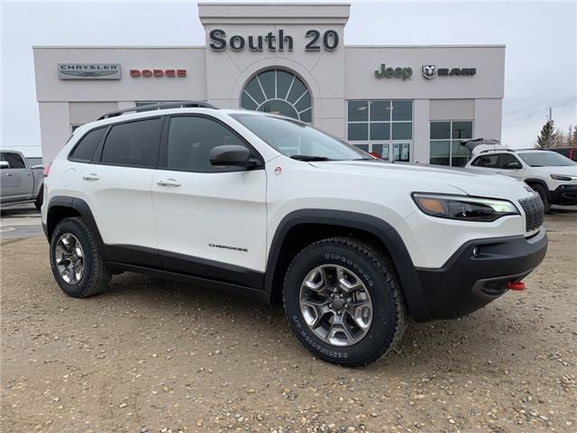 2019 Jeep Cherokee Trailhawk (Stk: 32417) in Humboldt - Image 1 of 29