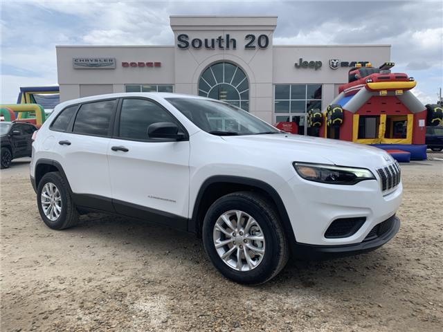 2019 Jeep Cherokee Sport (Stk: 32420) in Humboldt - Image 1 of 25