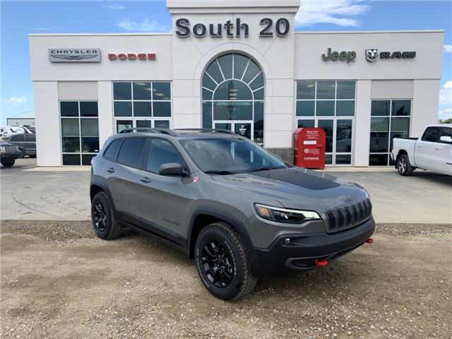 2019 Jeep Cherokee Trailhawk (Stk: 32518) in Humboldt - Image 1 of 31
