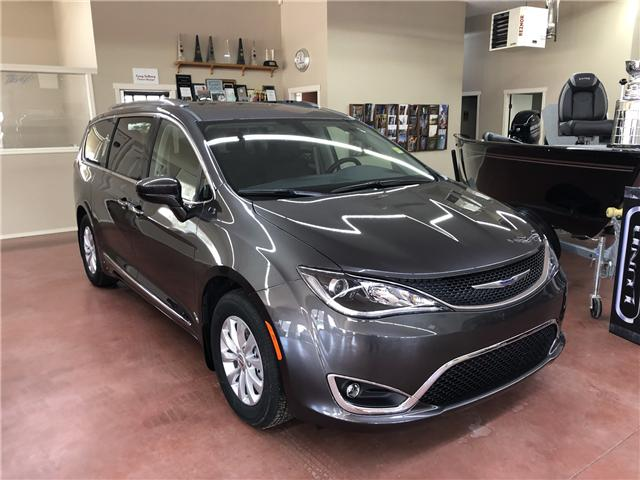 2019 Chrysler Pacifica Touring-L (Stk: T19-146) in Nipawin - Image 1 of 14