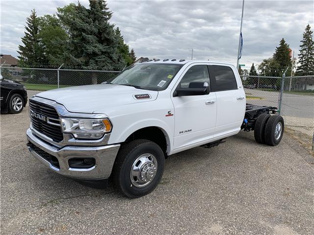 2019 RAM 3500 Chassis Tradesman/SLT/Laramie/Limited (Stk: T19-195) in Nipawin - Image 2 of 7