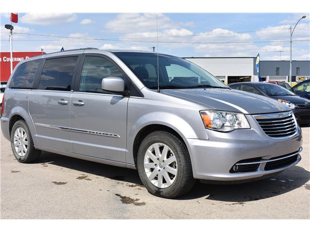 2014 Chrysler Town & Country Touring (Stk: p36596) in Saskatoon - Image 3 of 23