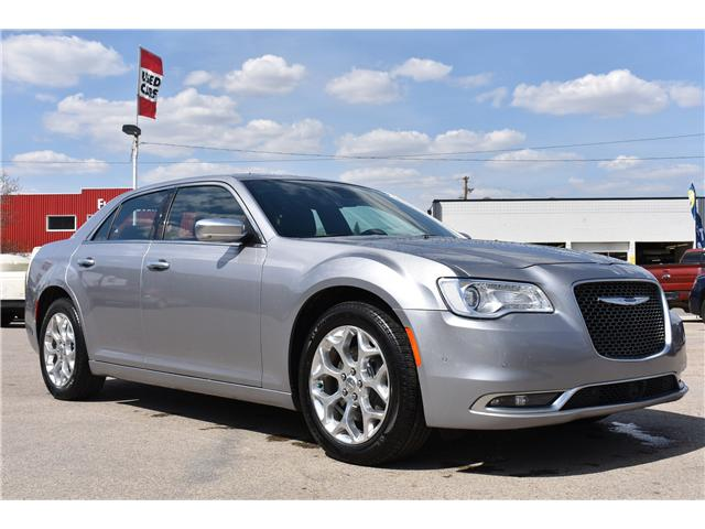 2017 Chrysler 300 C Platinum (Stk: p36607) in Saskatoon - Image 4 of 27