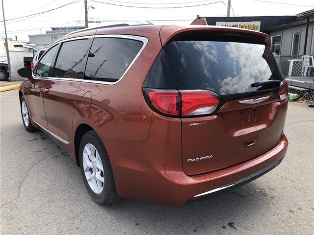 2018 Chrysler Pacifica Touring-L Plus (Stk: P36731) in Saskatoon - Image 3 of 17