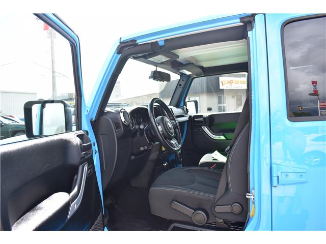 2018 Jeep Wrangler JK Unlimited Sahara (Stk: p36779) in Saskatoon - Image 12 of 23