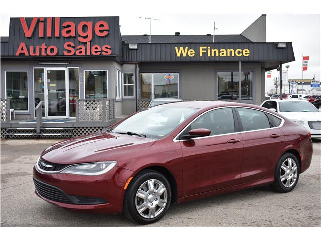2015 Chrysler 200 LX (Stk: P37108) in Saskatoon - Image 1 of 25