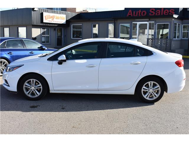2017 Chevrolet Cruze LT Auto (Stk: BP701) in Saskatoon - Image 2 of 30