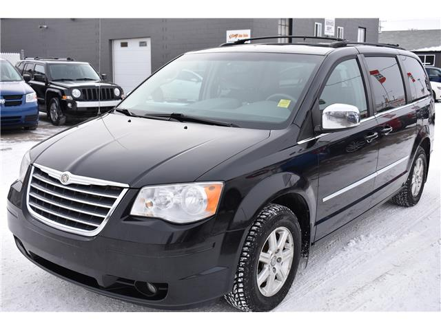 2009 Chrysler Town & Country Touring (Stk: P37355) in Saskatoon - Image 1 of 30
