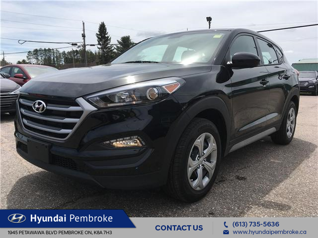 2018 Hyundai Tucson Base 2.0L (Stk: 19236A) in Pembroke - Image 1 of 22