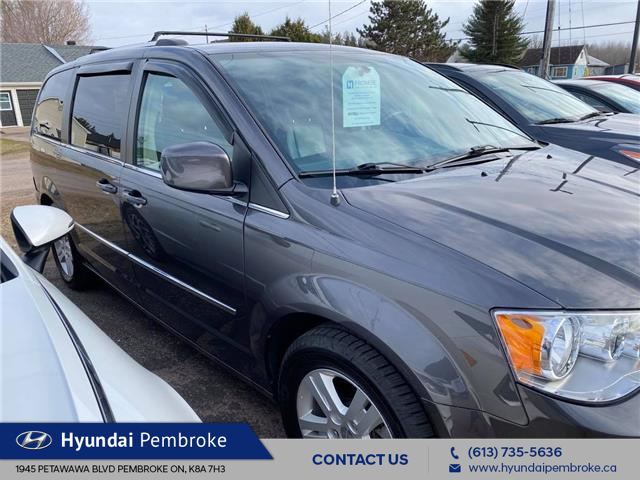 2015 Dodge Grand Caravan Crew (Stk: 21237a) in Pembroke - Image 1 of 5