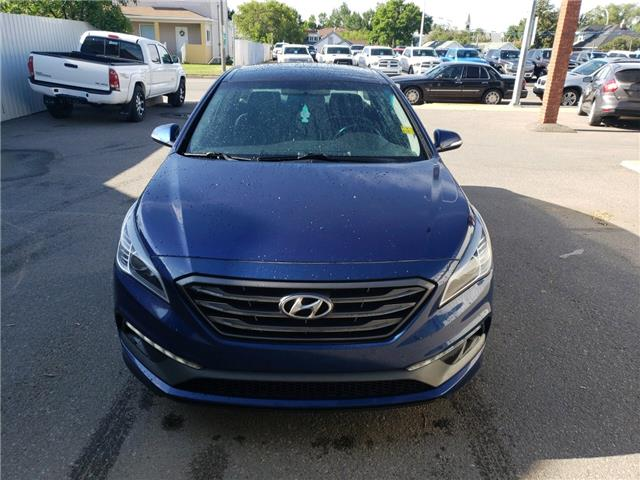 2015 Hyundai Sonata 2.0T (Stk: 15240) in Fort Macleod - Image 2 of 18