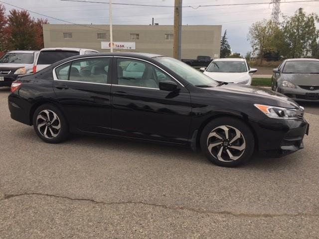 2016 Honda Accord LX (Stk: H6013A) in Waterloo - Image 2 of 4