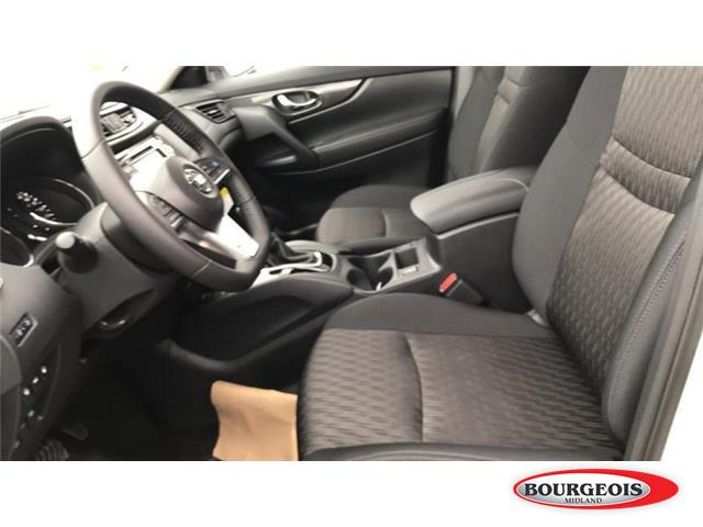 2019 Nissan Rogue SV (Stk: 019RG8) in Midland - Image 4 of 16