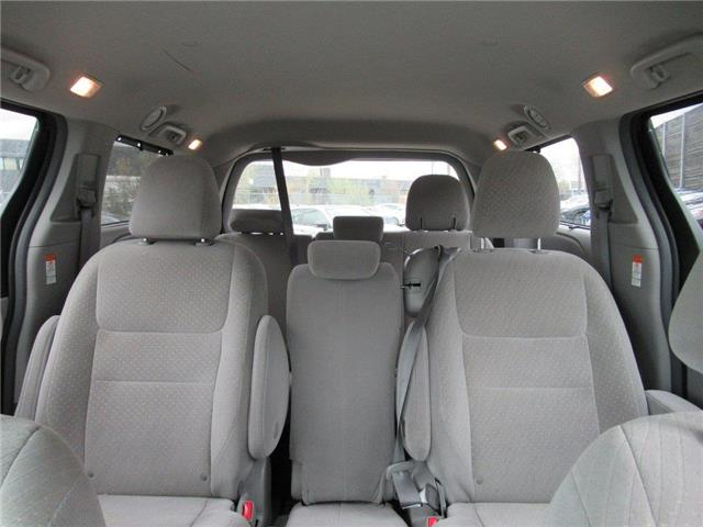 2018 Toyota Sienna LE 8-Passenger (Stk: 16172A) in Toronto - Image 3 of 14