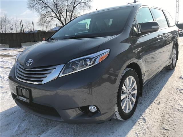 2017 Toyota Sienna XLE 7 Passenger (Stk: 16676A) in Toronto - Image 1 of 30