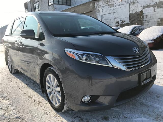 2017 Toyota Sienna XLE 7 Passenger (Stk: 16676A) in Toronto - Image 2 of 30