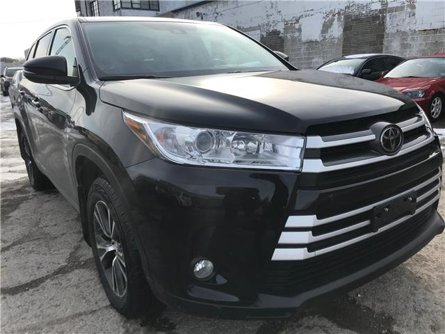 2018 Toyota Highlander LE (Stk: 16746A) in Toronto - Image 1 of 28