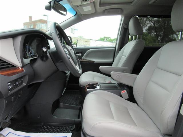 2017 Toyota Sienna 7 Passenger (Stk: 79065A) in Toronto - Image 2 of 26