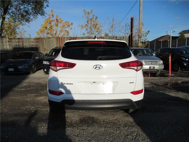 2018 Hyundai Tucson Base 2.0L (Stk: 16598A) in Toronto - Image 2 of 13