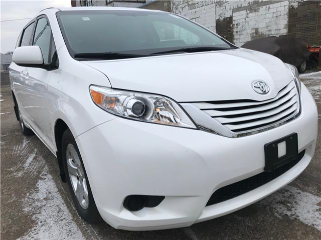 2017 Toyota Sienna LE 8 Passenger (Stk: 16809A) in Toronto - Image 1 of 28