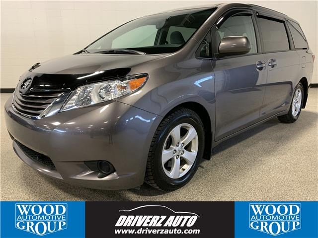 2015 Toyota Sienna LE 8 Passenger (Stk: TR12093) in Calgary - Image 1 of 17