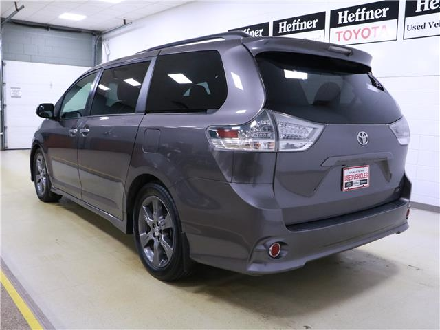 2016 Toyota Sienna SE 8 Passenger (Stk: 195692) in Kitchener - Image 3 of 32