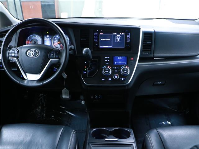 2016 Toyota Sienna SE 8 Passenger (Stk: 195692) in Kitchener - Image 5 of 32