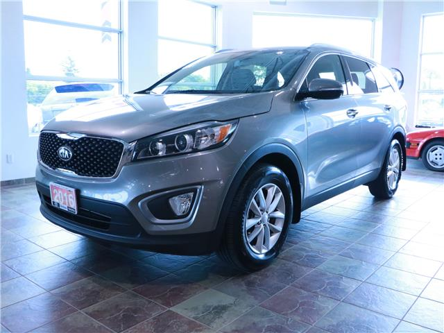2016 Kia Sorento 2.4L LX (Stk: 195983) in Kitchener - Image 1 of 29