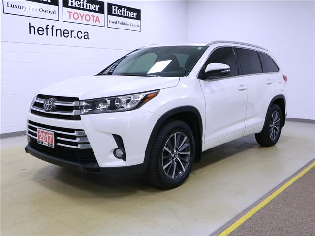 2017 Toyota Highlander XLE (Stk: 195695) in Kitchener - Image 1 of 34